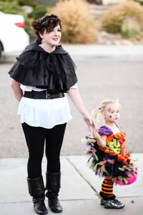 Vampire Hunter and a little witchling :)